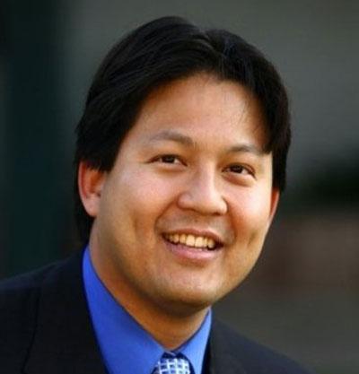 Dr. Tim Riesenberger